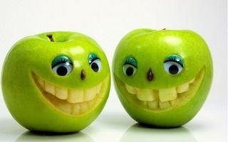 Artă cu fructe şi legume. Cele mai amuzante 20 de imagini