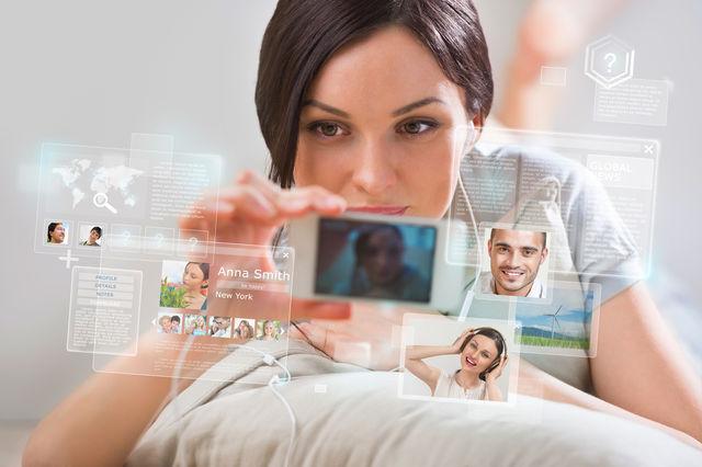 4 motive pentru care să aștepți înainte de a posta ceva în rețelele sociale