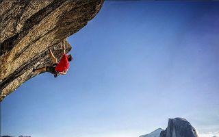 Sunt obsedaţi de adrenalină, iar fotografiile lor te vor şoca! 30 de imagini