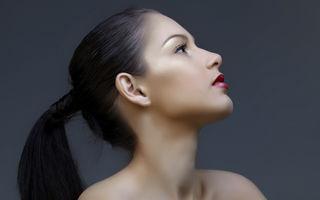 Cum să previi apariţia ridurilor pe gât. 5 reguli