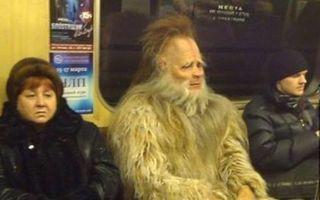 Ciudaţii din autobuz. 20 de imagini care te fac să râzi cu lacrimi