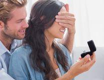Ce să faci dacă nu îți place inelul de logodnă