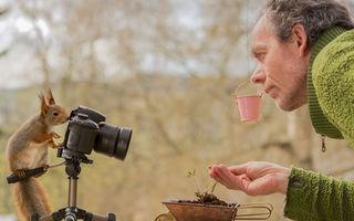 S-a întors lumea pe dos: Un fotograf a fost pozat de o veveriţă, iar imaginile sunt incredibile!