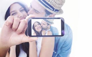 Cuplurile adevărate sunt cele care nu se văd pe Facebook