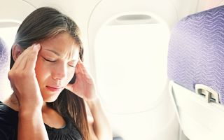 8 lucruri ciudate care se petrec în corp când zbori cu avionul