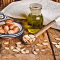 Beneficiile uleiului de argan: 6 motive să-l ai în casă