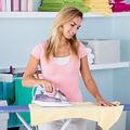 Cum să-ți calci corect hainele, în funcție de material