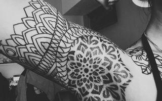 Tatuajele sub axilă, o nouă modă pe Instagram