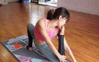 Rămâi şocat când îi vezi cum fac yoga! 20 de poze care îţi dau fiori