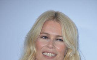 """Claudia Schiffer, """"ilegal"""" de frumoasă: La 46 de ani arată ca la 20!"""