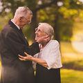 Cuplul cu 65 de ani de căsnicie, cel mai frumos lucru pe care îl poate vedea un fotograf de nunţi