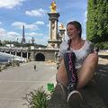Vacanţă într-un picior: A făcut turul Europei şi lumea s-a îndrăgostit de ea
