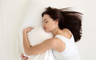 Cum să dormi mai bine când este foarte cald afară