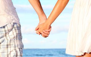 Ce spune modul în care tu şi partenerul vă ţineţi de mână despre relaţia voastră
