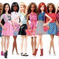Cum arăta păpuşa Barbie în anul în care te-ai născut