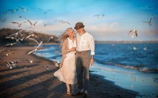 Romantismul bate reumatismul: Au albit, dar se iubesc ca la 20 de ani