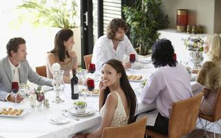30 de reguli de etichetă pe care să le respecți la masă