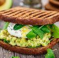Micul dejun: 3 combinaţii echilibrate care-ţi conferă energie