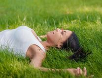 Cum să scoți petele de iarbă de pe haine