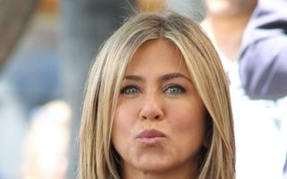 """Întrebarea care o scoate din minţi pe Jennifer Aniston: """"Eşti însărcinată?"""""""