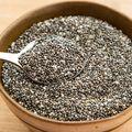 Semințele de chia au de 6 ori mai mult calciu decât laptele