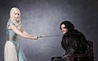 Cele mai amuzante 10 fotografii cu Kit Harington și Emilia Clarke. Așa cum nu i-ai mai văzut!