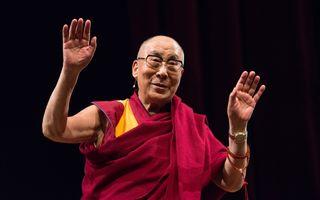 10 lecții de la Dalai Lama care îți vor schimba viața în bine
