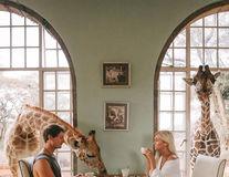 Cuplul care face 9.000 de dolari din pozele de călătorie de pe Instagram. Cum e posibil?