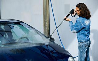 10 soluţii naturale care te ajută să-ţi cureţi maşina mai bine