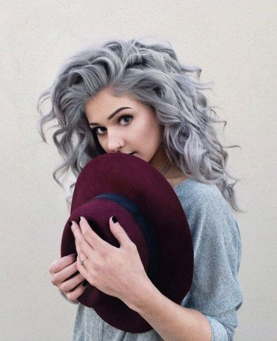 Părul în Nuanțe Gri Trendul Vedetă Al Acestui Sezon Frumuseţe