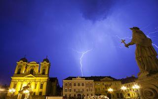 Ce trebuie să faci în caz de furtună: Recomandările specialiştilor pentru a fi în siguranţă
