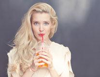 Ce se întâmplă dacă bei cu un suc mai puțin pe săptămână?