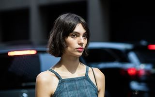 Tunsoarea bob, trendul vedetă de la New York Fashion Week