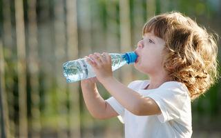 Tot ce trebuie să știi despre hidratarea copiilor