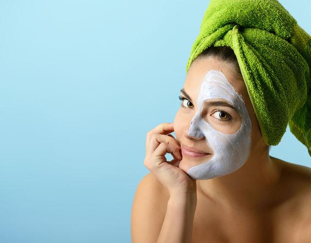 Masca facială din 3 ingrediente care te ajută să scapi de riduri