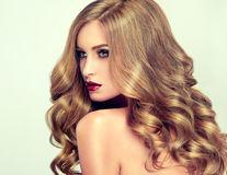 Masca cu gelatină care te ajută să repari părul degradat