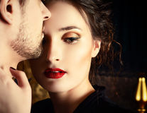 De ce femeile puternice se îndrăgostesc atât de repede?