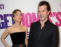 L-a scos din necaz: Renee Zellweger i-a plătit toate datoriile iubitului ei