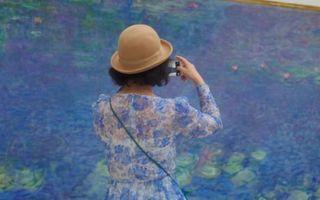 În căutarea personajului misterios. Un fotograf cutreieră muzeele ca să reinterpreteze tablourile