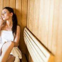 Beneficiile surprinzătoare pentru sănătate ale vizitelor la saună
