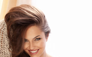 Ce să faci ca părul tău să miroasă întotdeauna frumos. 10 trucuri