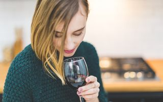 Știai că alcoolul te ajută să vorbești mai bine o limbă străină?