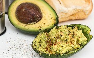 10 alimente grase care te ajută să slăbeşti eficient