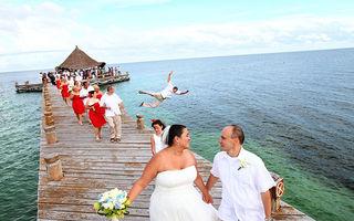 Cele mai amuzante poze de nuntă cu musafiri nepoftiţi în cadru
