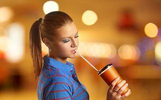 Pericolul din sucurile îndulcite: obezitate şi diabet la sticlă. Situaţia din România e alarmantă