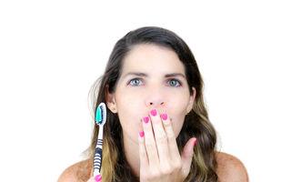 Respirația urât mirositoare: ce să faci și ce să nu faci ca să scapi de ea