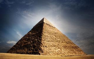 A fost descoperită o nouă cameră în piramida din Giza