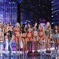 Show-ul Victoria's Secret 2017: 40 de ținute spectaculoase purtate de modele