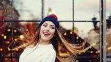 Cum să te coafezi când porți căciulă sau pălărie. 7 idei
