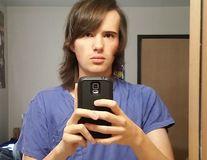 S-a transformat din bărbat în femeie în 17 luni. Vezi cum arată acum!